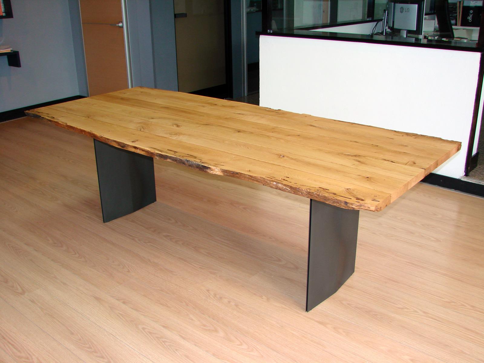 Tavolo legno di quercia design casa creativa e mobili for Tavoli di design outlet