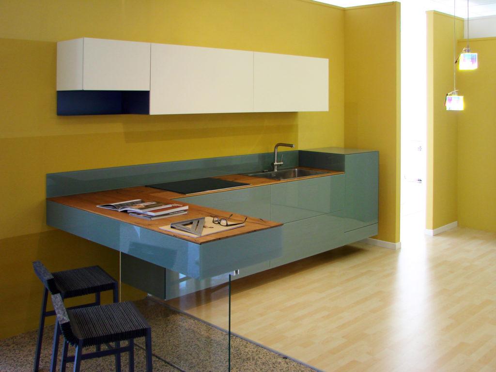 Dimensione legno mobili di design a chietidimensione legno for Liquidatori mobili di design